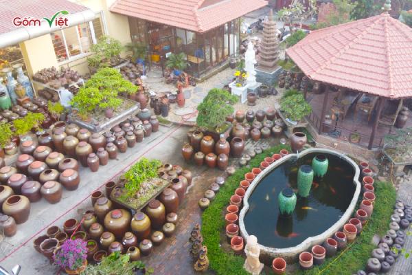 không gian vườn đẹp cùng với Gốm Việt